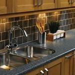 Bok nedan visar en hel del om köksinredning tex belysning till kök ...